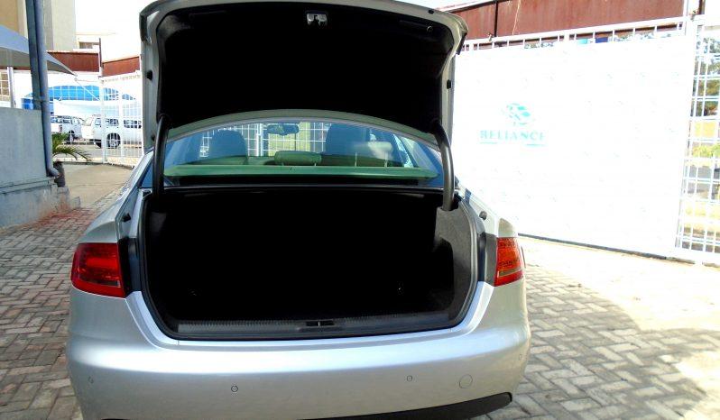 AUDI A4 2.0 2009 full
